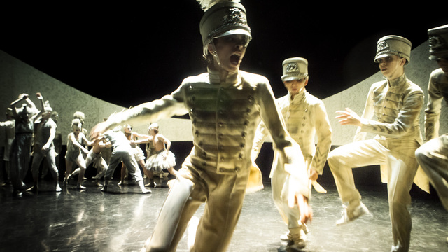 Nederlands Dans Theater 1 ~PARADE- Crystal Pite